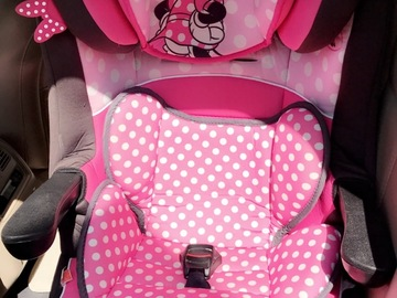 Selling: Minnie mouse booster/car seat
