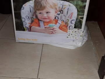 Selling: Feeding high chair