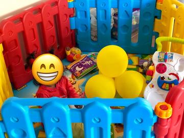 Selling: Plastic Play Fence