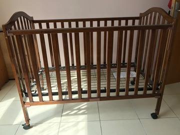 Selling: Crib
