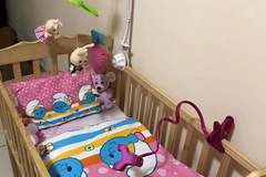 Selling: Baby bed and swing