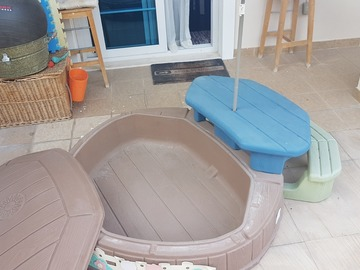 Selling: Sand/water pit