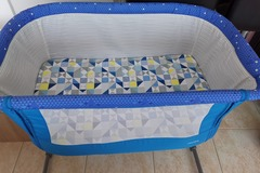 Selling: Juniors next to me baby crib