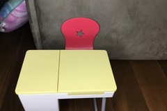 Selling: Desk for agd doll