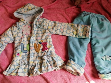 Selling: Winter hoodie and pants set