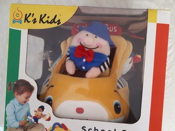 Selling: School Bus with Finger Puppets as Pupils