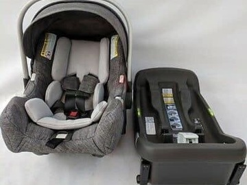 Selling: CarSeat