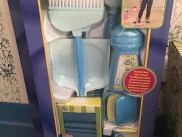 Selling: Cleaning set for kids