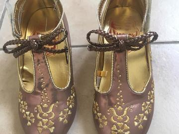 Selling: Disney shoes for girls