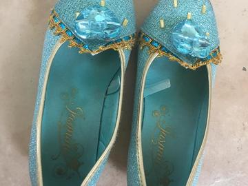 Selling: Disney shoes for kids