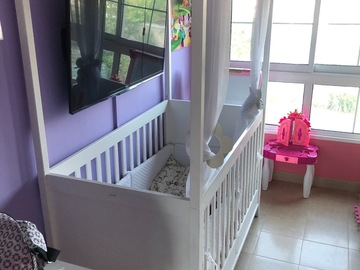 Selling: Theophile and Patachou 4 post crib
