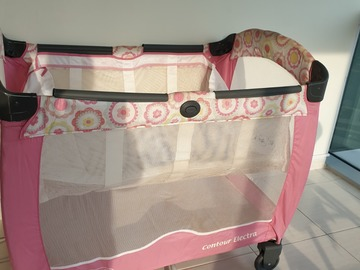 Selling: Graco Pack & Play playpen/crib with changing table - PRICED TO G