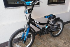 Selling: Boys bicycle