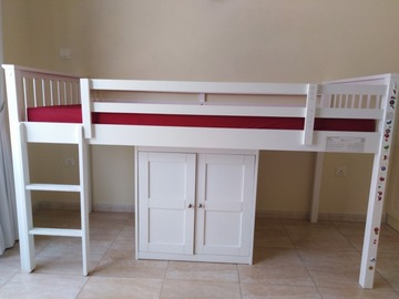 Selling: Bedroom furniture