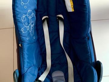 Selling: maxi cosi car seat