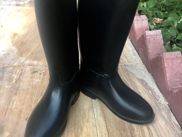 Selling: Children horse riding boots sizeEUR33
