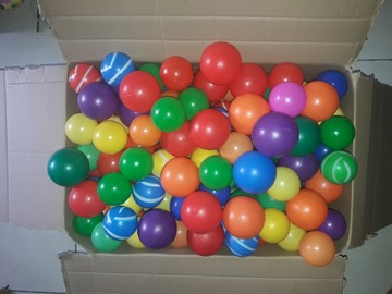 Selling: 500pcs good quality plastic balls
