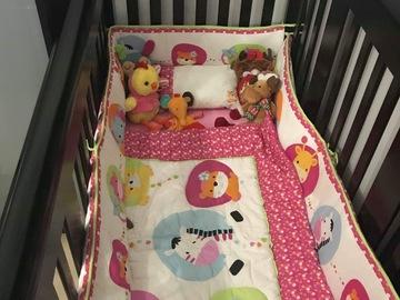 Selling: Wooden Crib
