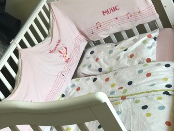 Selling: Baby crib